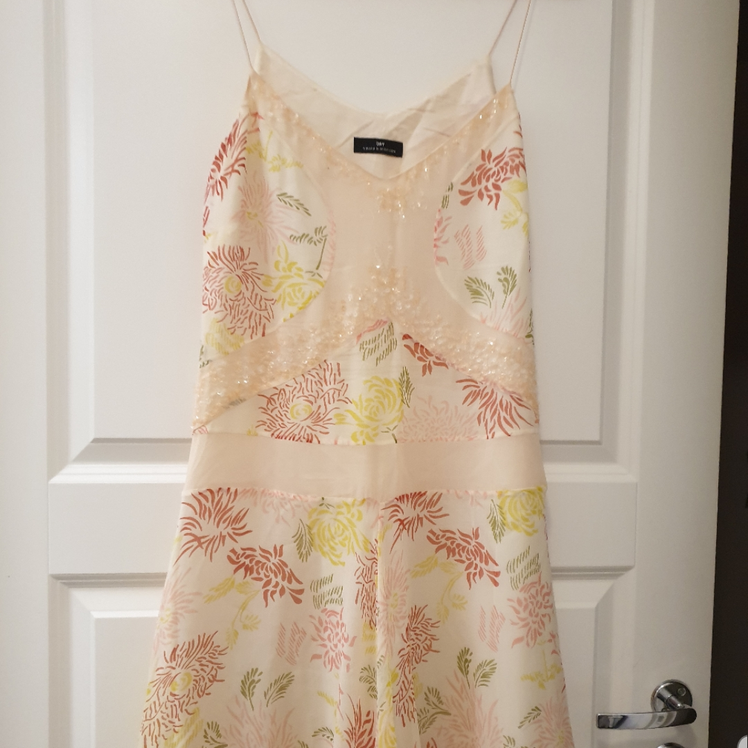 DAY Birger Mikkelsen sundress with tiny crystal applications in the front. White slip under sheer printed dress so it's not see-through.. Klänningar.