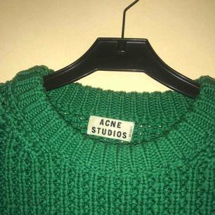 Suuperfin tröja från Acne Studios! Strl XS, inköpt vintage, förtjänar mer användning. Superfint skick! Skriv för mer bilder! ☺️