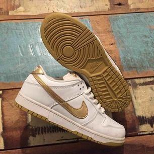 "Vintage Nike SB Dunks low ""champagne""."