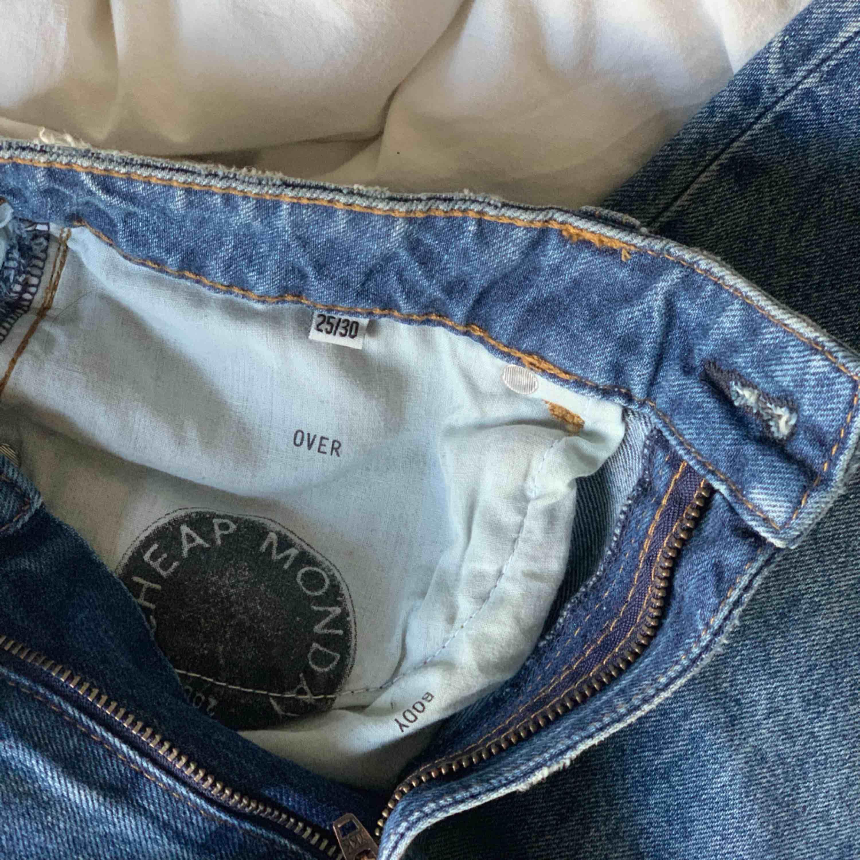 Jeans från Cheap Monday.  Sparsamt använda - Frakt tillkommer. Jeans & Byxor.