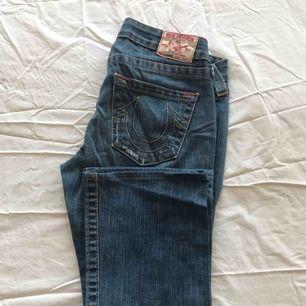 Jeans bootcut true religion , hämta i Majorna eller skickar för 63kr via postnord