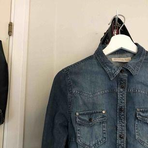 Skön Jeans skjorta, använd en gång