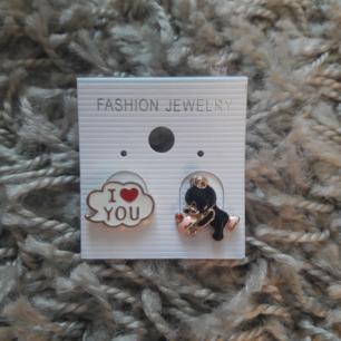 new earrings material: rhodium, nickel shipping 10 kr
