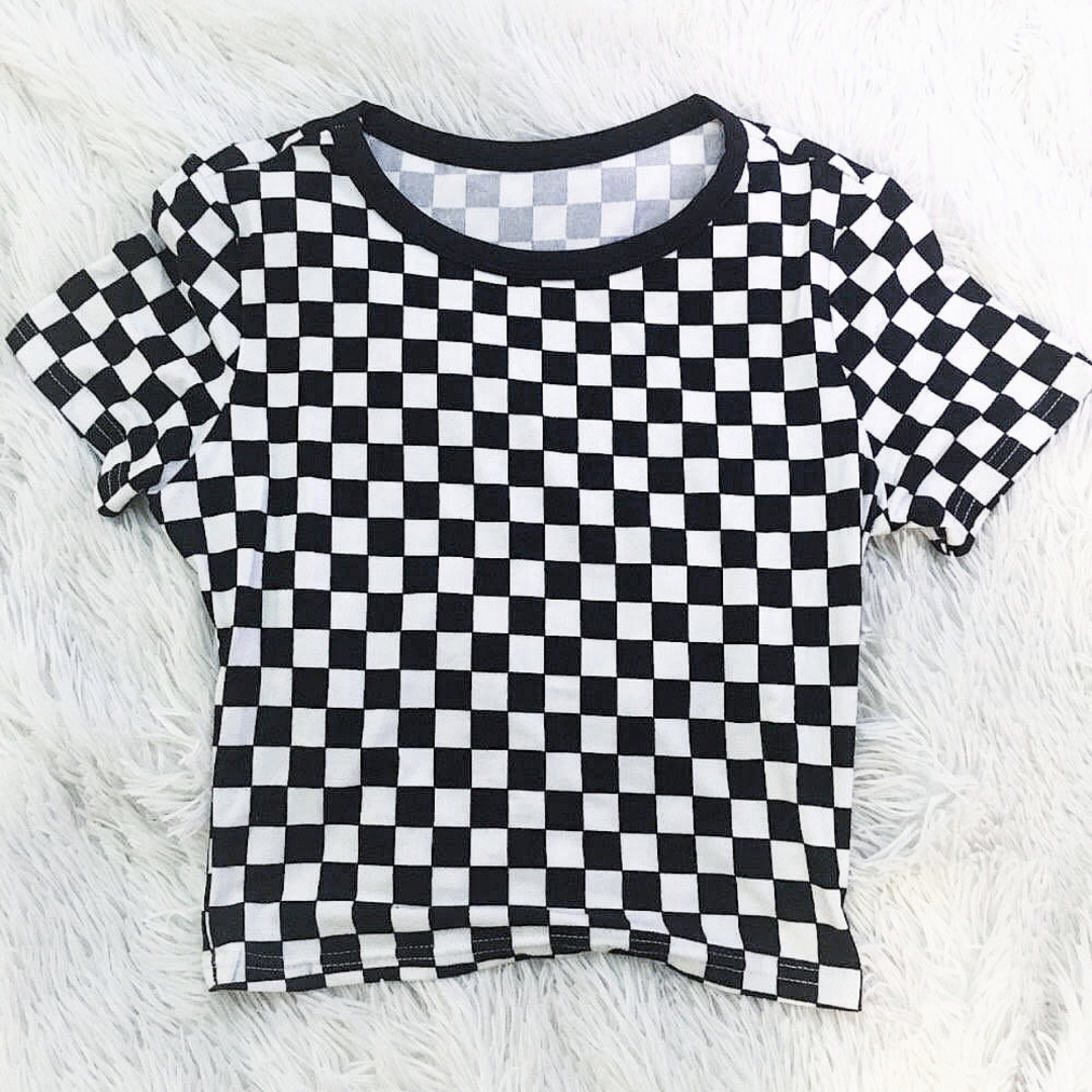 SÅLD INVÄNTAR BETALNING 💓 Superfin checkered t-shirt. . T-shirts.