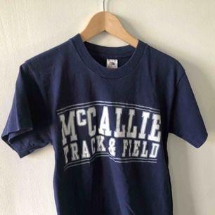 Vintage t-shirt. Sent 80-tal/ början på 90-talet. Kan hämtas i Uppsala eller skickas för 39