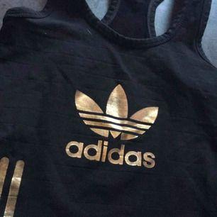 Adidas linne  Ej använt