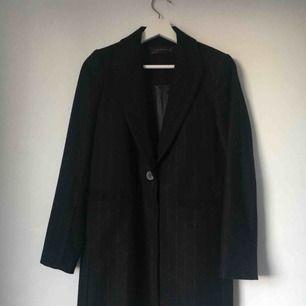 Nästan ny lång kappa 🐉