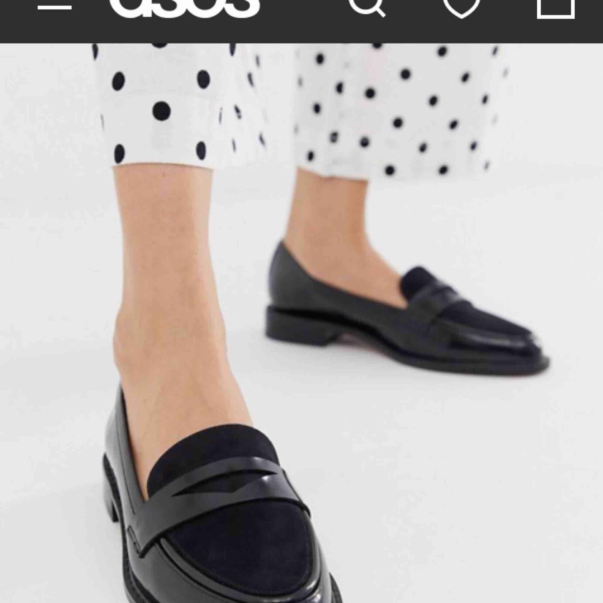 Helt nya, köpta från asos för ca 350kr  Superfina! Platta loafers Skriv om du har frågor. Skor.