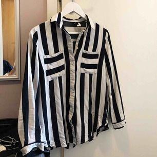 Jättefin skjorta som tyvärr aldrig kommer till användning :( Tillkommer fraktkostnad på 36kr 🌻
