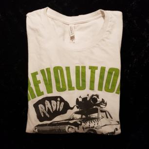 Green Day t-shirt från konserten i Stockholm, 2017.  Se profil beskrivning för mer info inför köp.