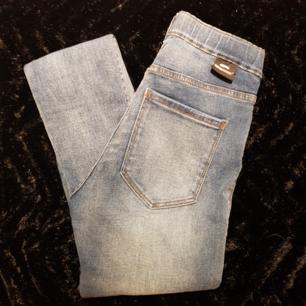 DrDenim jeans. Använd men i gott skick.  Se profil beskrivning för mer info inför köp.