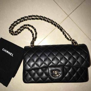 AAA-KOPIA, Chanel påse medföljer!! Aldrig använt pga att jag ej är nöjd med modellen:) frakt ingår i priset;)