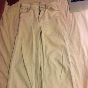 Vita jeans från weekday
