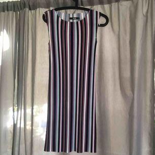 Söt randig klänning från bikbok. Hör av er för fler foton eller så 😍