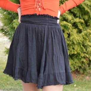 Bohemian style kjol i svart. Fri frakt