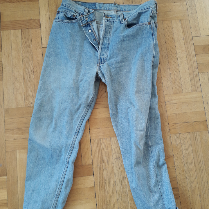 Levi's 501 jeans in light blue. They are bought second hand in UK 14 and are sold because they are too big. Very good condition.. Jeans & Byxor.