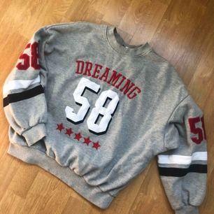 Mjuk och väldigt skön sweatshirt från HM! 🔥