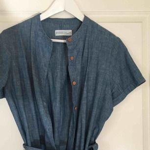 Klänning från Cubus i tunt mjukt jeanstyg. Inköpt förra sommaren men knappt använd!