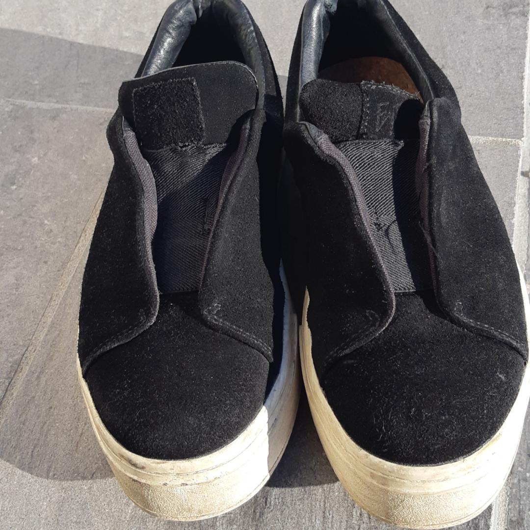 Eytys svart mocka, storlek 39. De är stora i storleken.. Skor.