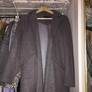 Zara kappa, aldrig använd. Köpt för 400
