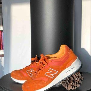 Svin snygga New Balance 997 ;) Små i storleken. Säljer dem för de är för små. Köpta på plick ✌🏼🧡