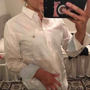 Casual vit skjorta från GANT, super snygg!