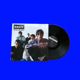 Oasis vinyl från när de spelade på hultsfreds festivalen, endast spelad fåtal gånger så är i jättefint skick!