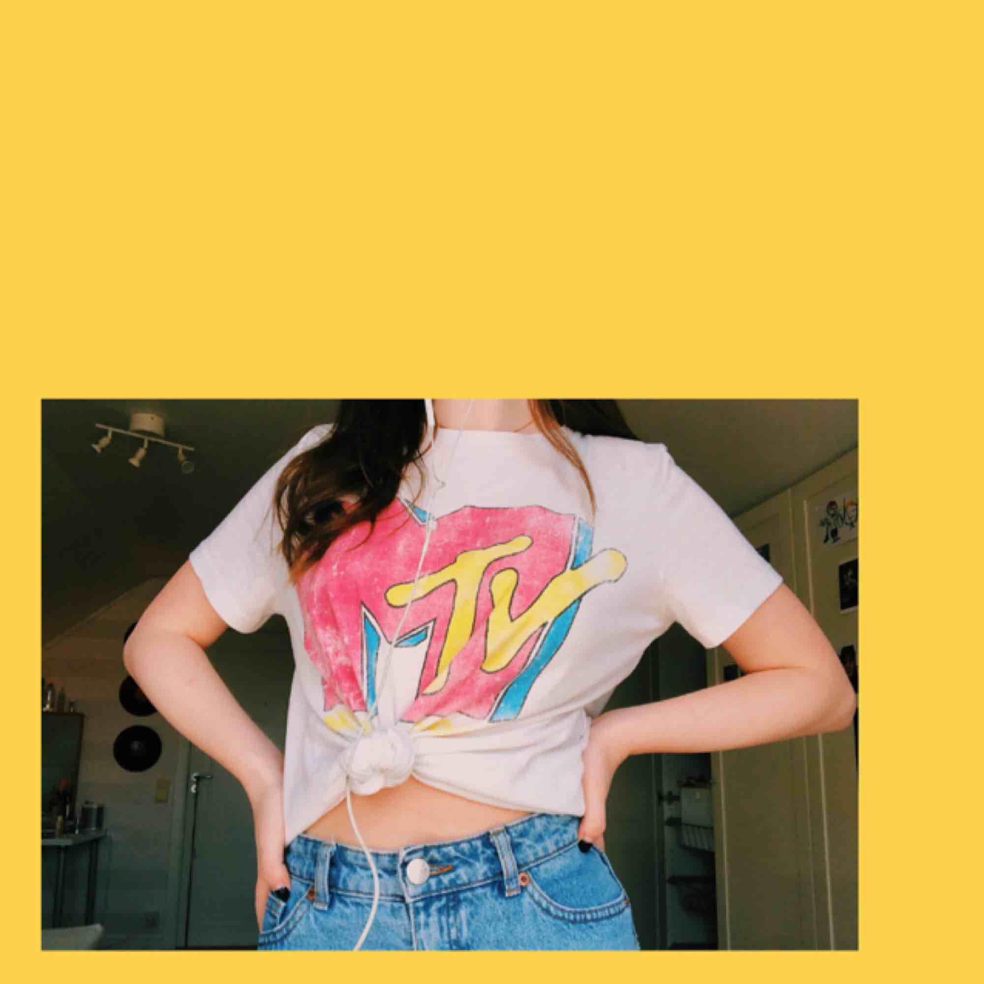 MTV tshirt med retro/80s tryck Frakt 25kr. T-shirts.