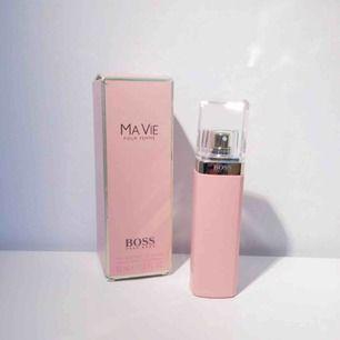 Boss MA Vie 50ml 🌻  Helt oanvänd parfym från boss, fick den som en present förra året och den passade inte riktigt mig.  Möter upp eller köpare betalar frakt!
