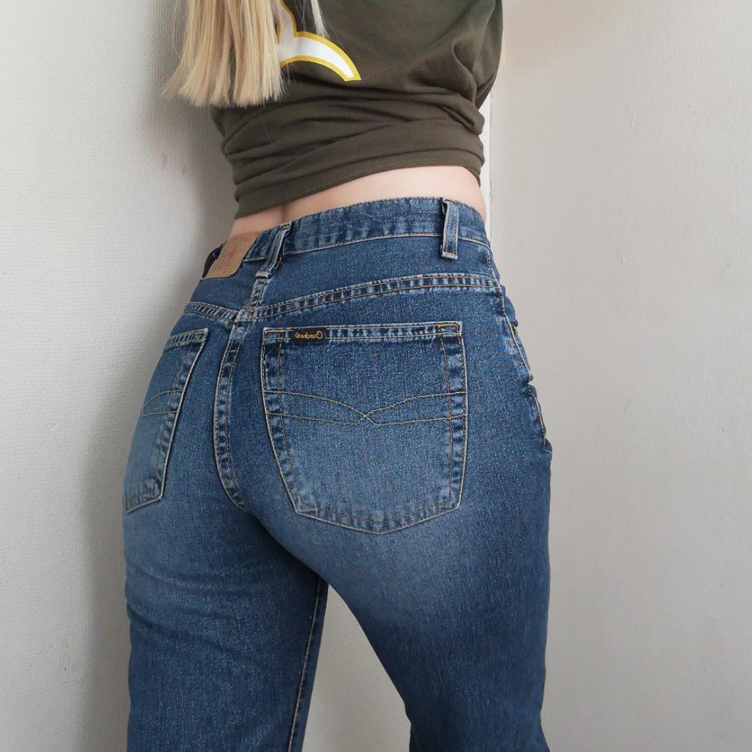 Supersnygga jeans från Crocker, passar xS - liten S. Vida nedtill 🌸. Jeans & Byxor.