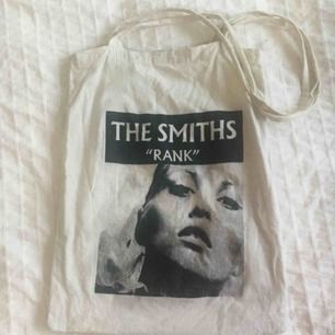 Snygg THE SMITHS tote bag! 🌟