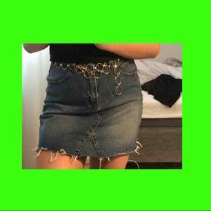 Asnajs jeanskjol från något märke som heter denimCO! Mycket bra skick💘💘
