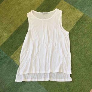 Superfint linne i skönt återvunnet material från svenska Under the Same Sun.