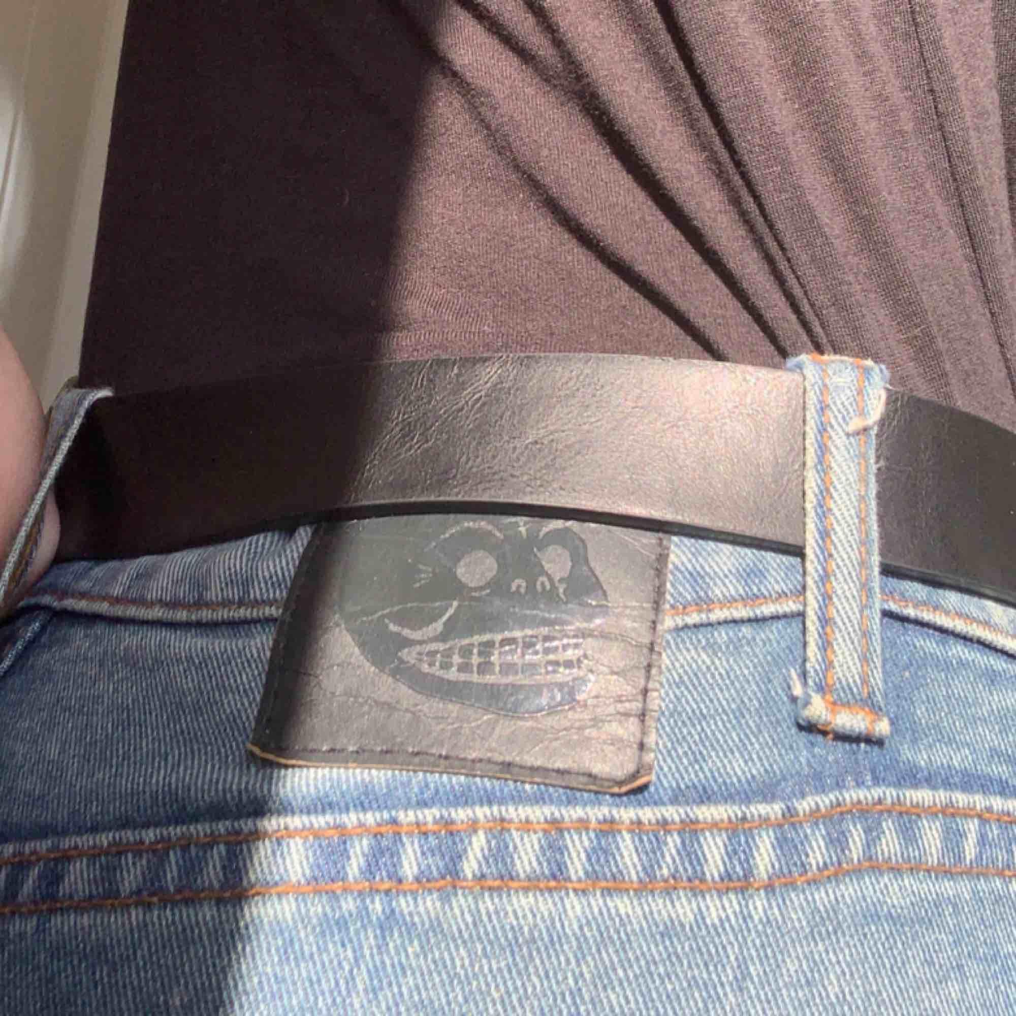 Låga tajta jeans från Cheap Monday. Ingen stretch, men riktigt snygga! . Jeans & Byxor.