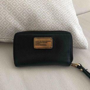 Plånbok från Marc Jacobs, beg skick.