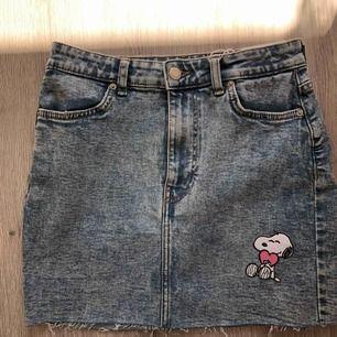 Helt ny kjol från Bershka med snobben patches som jag satt på själv. Frakten ingår!