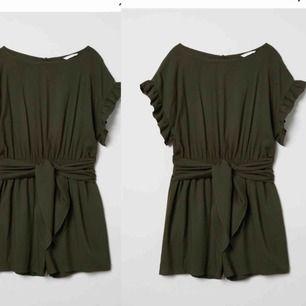 Söker efter denna jumpsuit från H&M Storlek 34-38