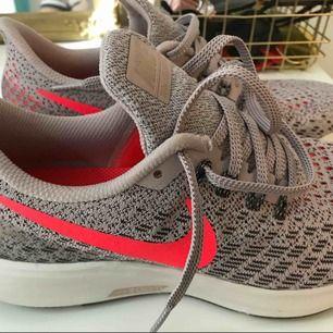 Oanvända nike-skor storlek 38, superskön modell men råkade beställa  dubbletter. Hämtas i Göteborg, fraktar inte!!