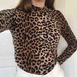 As ball leopard polo i prima skick!🐆 Säljer för att den inte kommer till användning längre. Frakt tillkommer🧡