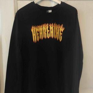 Svart långärmad t-shirt storlek s använd 2 ggr. Hämtas i Göteborg, fraktar inte!!