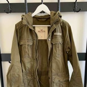 Twill Utility Jacket Brand: Hollister Size: S Colour: Green