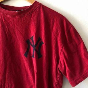 New York Yankees. Kan hämtas i Uppsala eller skickas för 39