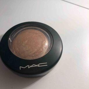 Mac highlighter soft & gentle Som ny använd någon gång Står ej för frakt