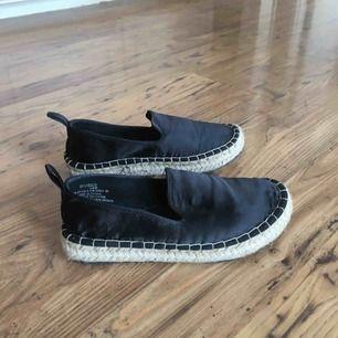 Sandaler från hm.  Knappt använda.