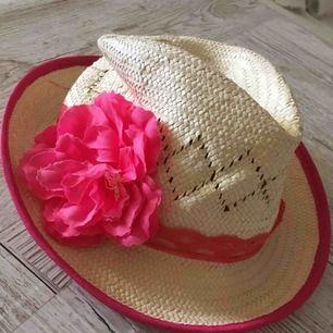 Hatt köpt i England