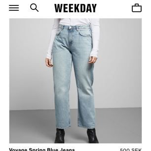 Säljer dessa sjukt populära jeans ifrån Weekday i modellen Voyage i färgen spring blue, Som Nya!!!