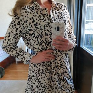 Klänning med fint mönster och skönt material!