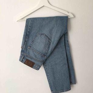 Balla sköna jeans från monki frakt 50:-