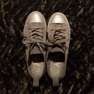 Primark skor, så gott som nya. Liten i storlek så skulle säga passar bättre för storlek 38.