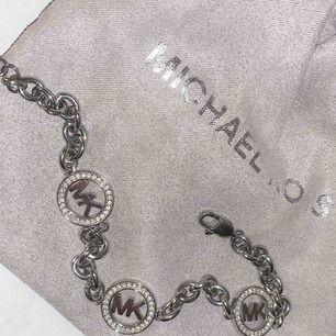 Äkta Michael kors armband , köpt för 1500 mitt pris 400kr
